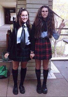 Mia Thermopolis and Lilly Moscovitz