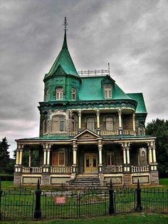 What a beautiful  home that has seen better days!