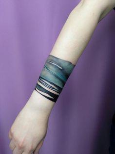 """Gift for myself (as a reward, if I survived this """"Scheiße Creek Jahre"""" .- Kadootje voor mezelf (als beloning, wanneer ik deze """"Scheiße Creek Jahre"""" overleefd… Gift for myself (as a reward, when I … - Diy Tattoo, Tattoo Band, Tattoo Foto, Wrist Tattoo, Pretty Tattoos, Beautiful Tattoos, Tattoos Partner, Tattoos Pulseras, Bracelet Bras"""
