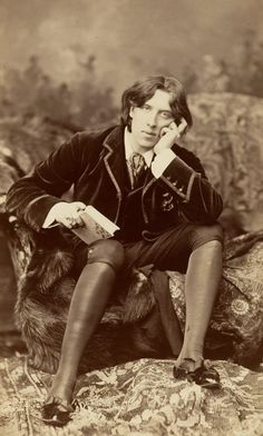 A personal tale of discovering Oscar Wilde, the Aesthetic movement, and the world of Irish literature in high school from Pru Holcombe, author.