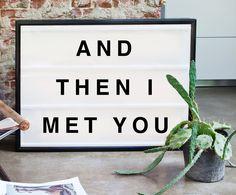 And then I met you lightbox från Bxxlght hos ConfidentLiving.se