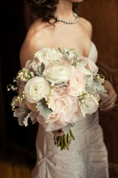 wedding flowers so pretty- For more amazing finds and inspiration visit us at http://www.brides-book.com and join the VIB Ciub