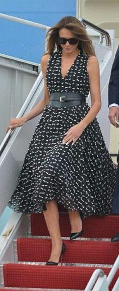 First Lady Melania Trump at Mar Lago, April Royal Fashion, Love Fashion, Fashion Looks, Womens Fashion, Melanie Trump, Milania Trump Style, First Lady Melania Trump, Glamour, Pretty Dresses