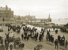Signe Brander kuvasi Lasten päivän juhlakulkueen. Signe Brander 1913.