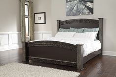 The poster bed is available in queen and king size