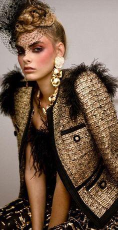 Runway Fashion, High Fashion, Fashion Show, Fashion Outfits, Gold Fashion, Street Fashion, Women's Fashion, Elle Magazine, Classy Chic