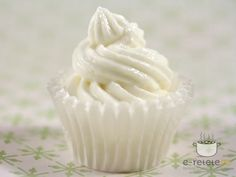 Maioneza fina cu usturoi Mousse, Icing, Dips, Easy Meals, Sauces, Desserts, Recipes, Dressings, Foods