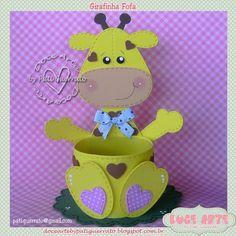 Doce Arte by Pati Guerrato Kids Crafts, Foam Crafts, Diy And Crafts, Arts And Crafts, Paper Crafts, Bottle Art, Bottle Crafts, Giraffe Birthday Parties, Giraffe Crafts