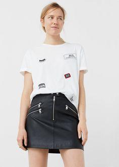 Camiseta parches decorativos   MANGO
