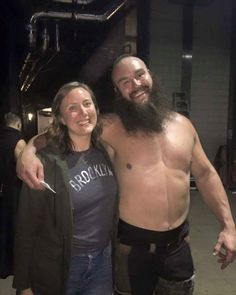 WWE Superstar Braun Strowman (Adam Scherr) with his younger sister Hannah Scherr backstage at a WWE live event in London Wwe Live Events, Wwe Couples, Braun Strowman, Wrestling Wwe, Aj Styles, Total Divas, Yesterday And Today, Professional Wrestling, Wwe Wrestlers