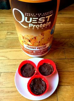 Protein Powder Cups with Quest protein.   The macros for this protein powder is phenomenal. 1 scoop (30 g) is only 110 calories, 23 grams Protein, 2 grams Carbohydrate, 2 grams Fat, and less than 1 gram of sugar.  In addition, their protein powder is certified gluten-free and soy free. Not only that, but all Quest Nutrition protein powders are lactose-free. Their protein blends contain whey protein isolate which is the more highly-filtered form of whey protein.