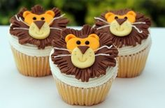 Lion Cupcake Design - Lion Themed Cupcakes are a great idea for a jungle or safari theme baby shower