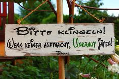 Holzschild  im Vintage Style: Unkraut jäten von Lillis Handcraft....am liebsten selbstgemacht!! auf DaWanda.com