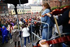 Refuges welcome in Malmö my hometown,,,musician and music welcome berfore speakers**wonderful humanity