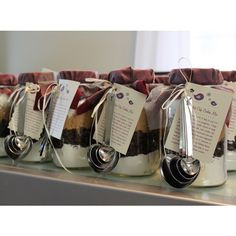 Diy Mason Jars : Diy Handmade Bridal Shower Mason Jar Cookie Mix Favors -- I got something like this as a favor at a baby shower once with apple pie. Thought it was super cute though haven't made it yet :) Mason Jar Meals, Mason Jar Gifts, Meals In A Jar, Mason Jar Diy, Bridal Shower Prizes, Bridal Shower Gifts, Bridal Showers, Baby Shower Gifts, Fort Kit