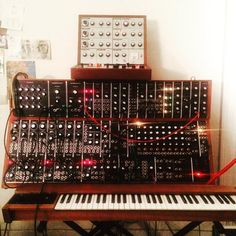 Stars of the lid Synthesizer Music, Home Studio Music, Owl City, Music Like, Music Production, Electronic Music, Studios, Music Instruments, Stars