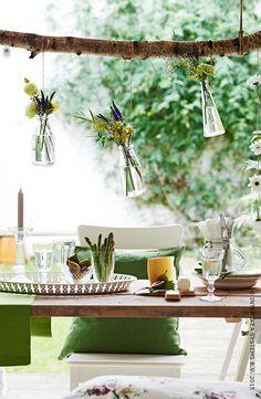 Le vase ENSIDIG apporte une touche festive. #IKEA #terrasse #jardin