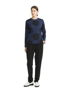Sliivi T-Shirt Eclipse/Black Scandinavia Design, Marimekko, Fashion Bags, Latest Fashion, Normcore, House Design, Clothes For Women, Chic, Celebrities