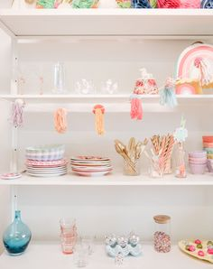 How to style a colourful office Ikea Organization Hacks, Current Mood, Home Remodeling, Lifestyle Blog, Mini Kitchen, Invitations, House Styles, Paradise, Kitchens