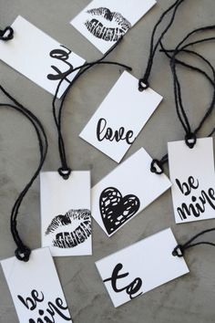 Get your free Printable Valentine's Day gift tags on the blog now! Simple and elegant, black and white gift tags, there are 5 designs available.