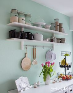 Ein neues Küchenregal und das Drama um die Wandfarbe Mint - Youdid A new kitchen shelf and the drama about the wall color Mint - Youdid Decor, Kitchen Remodel, Kitchen Shelves, Wall Color, Shelves, Mint Walls, New Kitchen, New Kitchen Cabinets, Home Decor Kitchen