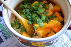 La ricetta della crema di zucca per condire la pasta semplice da realizzare in casa