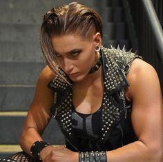 Wrestling Rules, Wrestling Posters, Wrestling Divas, Divas Wwe, Arnold Schwarzenegger Bodybuilding, Wwe Outfits, Wwe Girls, Wwe Ladies, Ufc Women