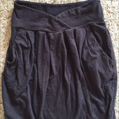 Silence + noise urban outfitters mini skirt Light wear. Size xs. Dark gray color. Pockets and pleated style Urban Outfitters Skirts Mini