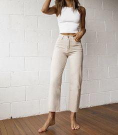 Fashion Tips Moda French Fashion Tips.Fashion Tips Moda French Fashion Tips French Fashion, Look Fashion, Korean Fashion, Vintage Fashion, 80s Fashion, Fashion Today, Classy Fashion, Fashion 2020, Petite Fashion