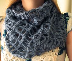 Infinity & Beyond Broomstick Lace Scarf/Cowl: free #crochet #pattern