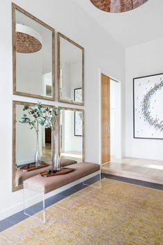 Sophisticated, bright, modern front entrance. #entryway #entrywaydesign #entrywaydecor #entrywayinspiration #entrywayidea #interiordesign #homedecor #entrywayinspiration