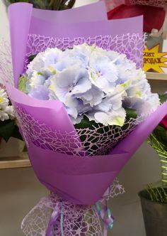 How To Wrap Flowers, Fresh Flowers, Beautiful Flowers, Ikebana, Chocolate Flowers Bouquet, Hand Bouquet, Flower Wallpaper, Flower Art, Flower Power