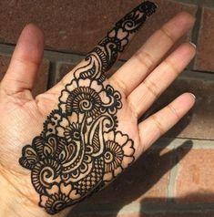 Nice flowers Mehndi Tattoo, Henna Tattoo Designs, Mehndi Art, Henna Mehndi, Henna Art, Mehndi Designs For Girls, Beautiful Henna Designs, Simple Mehndi Designs, Mehndi Design Pictures