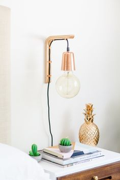 How To Make A Modern Hanging Wooden Wall Bracket Light The Whimsical Wife - diy-home-decor Bedside Lighting, Bedroom Lighting, Bedroom Decor, Modern Bedside Lamps, Bedroom Ideas, Bedside Wall Lights, Wall Lamps, Teen Bedroom, Wooden Brackets