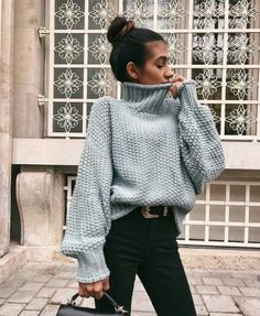 15 Trendy Autumn Street Style Outfits For This Year - fall outfits , sweater ,oversized sweater outfits autumn Winter Fashion Outfits, Fall Winter Outfits, Look Fashion, Autumn Winter Fashion, Womens Fashion, Fashion Trends, Winter Clothes, Casual Winter, Winter Style
