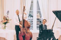 Jazzmuziek op je bruiloft | Waarom het te gek is! | ThePerfectWedding.nl  #jazzmuziek #jazzmuziekbruiloft #entertainment #muziekopdebruiloft #DJ #ceremonie #feest #muzikanten Jazz, The Great Gatsby, Violin, Music Instruments, Jazz Music, Musical Instruments