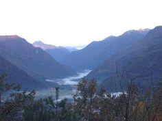 Nebbia bassa lungo tutta la Vallemaggia