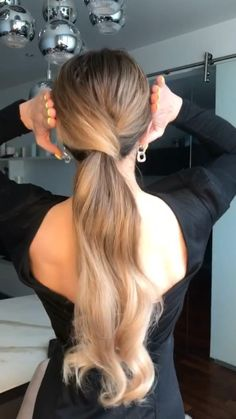 Hairdo For Long Hair, Easy Hairstyles For Long Hair, Easy Elegant Hairstyles, Easy Upstyles For Medium Hair, Half Up Half Down Hairstyles, Long Hair Dos, Going Out Hairstyles, Low Ponytail Hairstyles, Cute Hairstyles