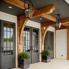 Do you need inspiration to make some DIY Farmhouse Front Porch Decorating Ideas in your Home? When you are trying to create your own unique Farmhouse Front Porch design, you will want to use ideas from those that are… Continue Reading → Farmhouse Front Porches, Modern Farmhouse Exterior, Farmhouse Style, Rustic Farmhouse, Cottage Exterior, Farmhouse Design, Farmhouse Ideas, Farmhouse Interior, Rustic Wood