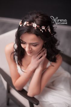 Excited to share the latest addition to my shop: Wedding headpiece rose gold Bridal hair vine with flower and leaf Bride hair piece crystal Bridal halo headpiece Winter Hairstyles, Bride Hairstyles, Bob Hairstyles, Bridal Hair Vine, Ombre Hair Color, Wedding Hair Pieces, Hair Trends, Hair Inspiration, Curly Hair Styles