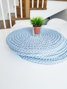 Blue mist crochet washable table placemats set sunflower crochet coasters country home kitchen sunflower kitchen decor yello coasters country crochet decor home kitchen sunflower yello Country Kitchen Tables, Rustic Country Kitchens, Easter Crafts, Easter Decor, Easter Ideas, Free To Use Images, Nursery Room Decor, House Warming, Diy Crafts