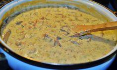 Strogonoff de Grão de Bico com Molho de Aveia ~ Veganana Link da receita: http://blog.veganana.com.br/2013/09/strogonoff-de-grao-de-bico-com-molho-de.html