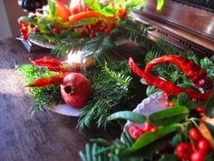 Arredamento natalizio ~ Centro tavola natalizio con peperoncini centrotavola natale