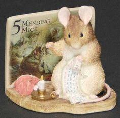 Border Fine Arts World of Beatrix Potter Mending Mouse - Boxed