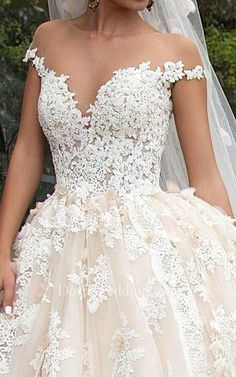 Ball Gown Mini Jewel Bell Illusion Beading Appliques Flower Illusion Flower Chapel Train Button Illusion Tulle Lace Dress Dream Wedding Dresses, Bridal Dresses, Wedding Gowns, Tulle Lace, Lace Dress, Chapel Train, Dresses Online, Illusions, Ball Gowns