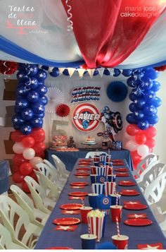 Capitán América fiesta temática American captain theme party http://tartasdelunallena.blogspot.com.es/ galletas decoradas capitan america american captain decorated cookies Capitan america tarta decorada American captain cake Fiesta realizada decorada por el equipo de QGuay Park