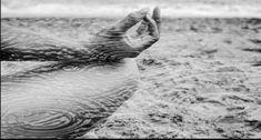 Ιπποκράτης: «Κάθε ασθένεια ξεκινά πρώτα από την ψυχή και στη συνέχεια καταλήγει στο σώμα» Greek History, Ancient Greece, Holidays And Events, Kai, Techno, Elephant, Survival, Health Fitness, Life