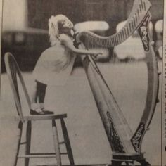 The cutest harpist
