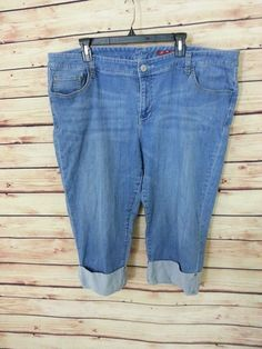 Seven7 Jeans cropped capris womens size 24 cuffed medium wash #Seven7 #CapriCropped