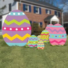 Lovely Colorful Easter Eggs To Decorate The Garden